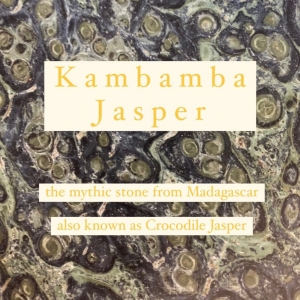 Kambamba Jasper is an extremely old stone dating back to three billion years ago. It's considered a fossil classified as a stromatolite because of the fossilized algae that created this mineral, related to energy balance.  It presents a green&black eyes pattern.   One of a kind unique pieces ✨  #kambamba #kambambajasper #crocodilejasper #energy #madagascar #stone #jasper #oneofakindjasper #kambambastone #minerals #kambambadecor #interiordesign #interiorismo #homedecor #decoração #decor #decoracion #pattern #colours #blackandgreen #uniquepieces #piezasunicas #beoneofakind
